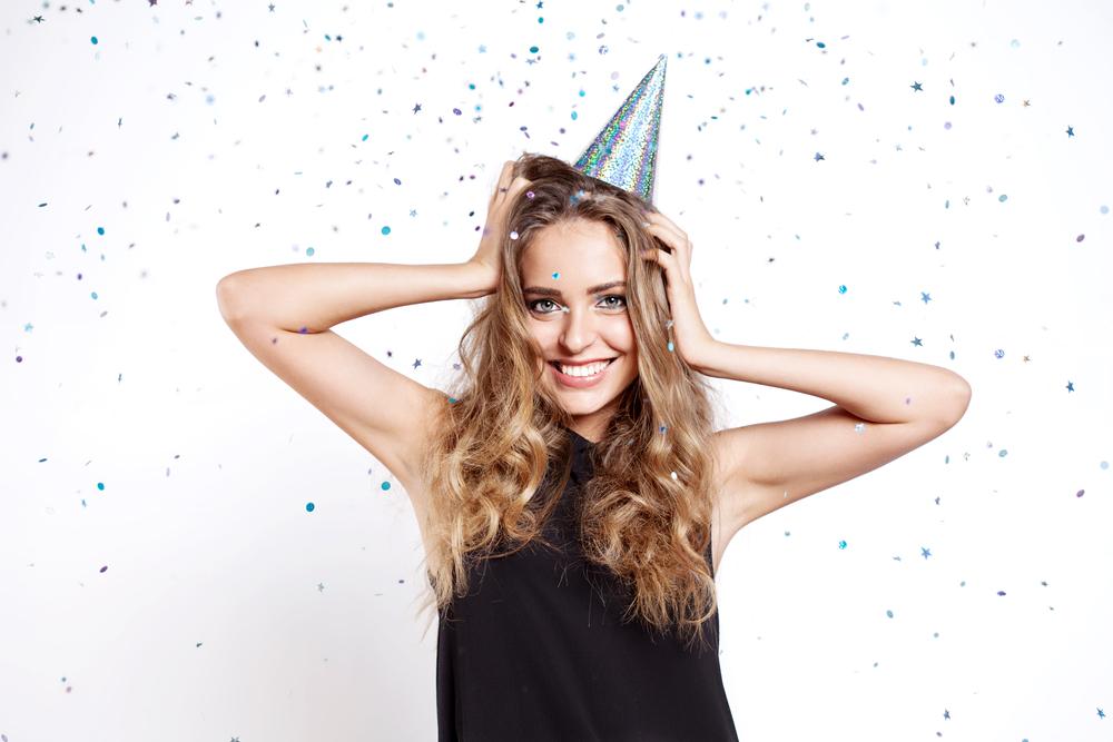 「気になる人の誕生日」は〝重すぎないお祝い方法〟でさりげないアピールが正解!