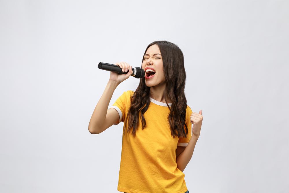 【ひとりカラオケ】ヒトカラは料金も安い&ストレスフリーでコスパ抜群!思いっきり歌えるおすすめ9店