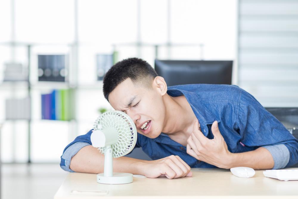 ケチらずにクーラーをつけても室内で「熱中症」になりえる3つの原因とは?