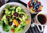 乾燥肌対策はスキンケアだけじゃない!?食べ物で体の中から肌を改善しよう!